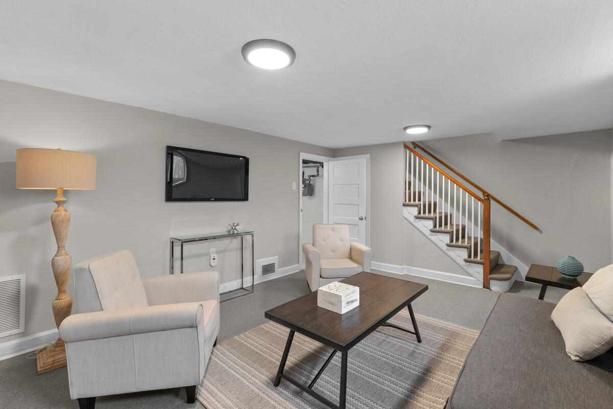 618 Wayne Ave-037-004-Interior-MLS_Size