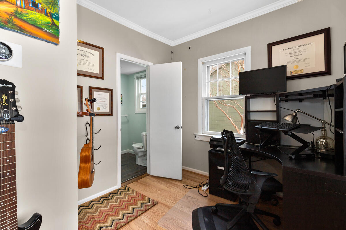 725 Silver Spring Ave-011-008-Interior-MLS_Size