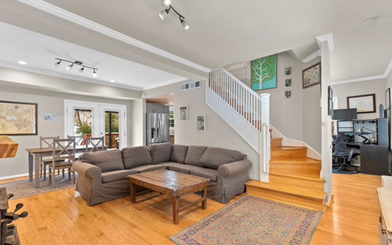 725 Silver Spring Ave-014-005-Interior-MLS_Size