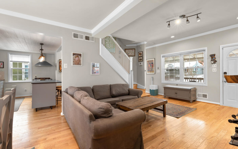725 Silver Spring Ave-015-006-Interior-MLS_Size