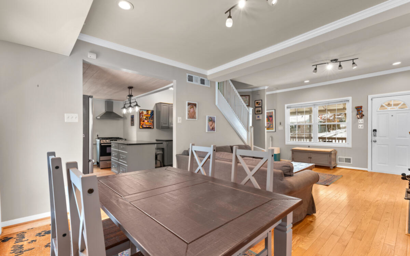 725 Silver Spring Ave-016-002-Interior-MLS_Size