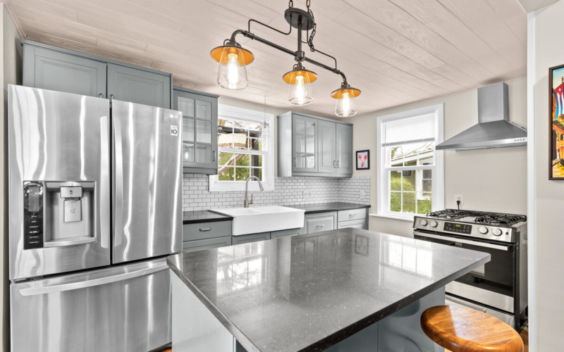 725 Silver Spring Ave-022-014-Interior-MLS_Size