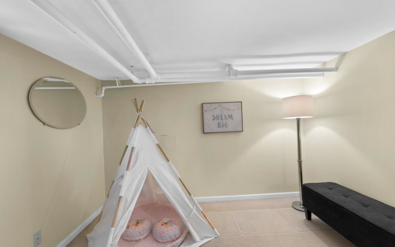 8705 2nd Ave-039-005-Interior-MLS_Size
