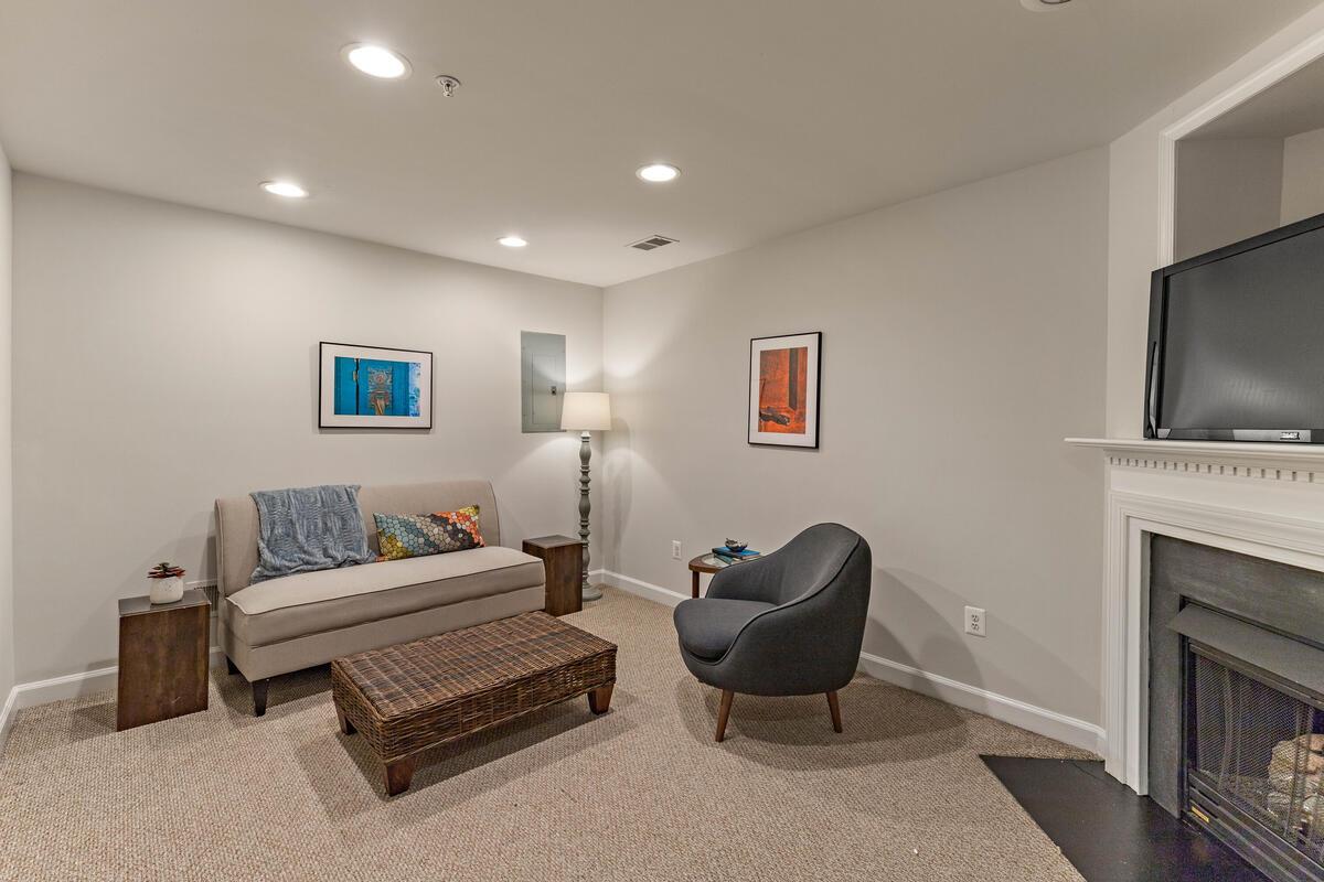 1325 Cameron Hill Ct-038-041-Interior-MLS_Size