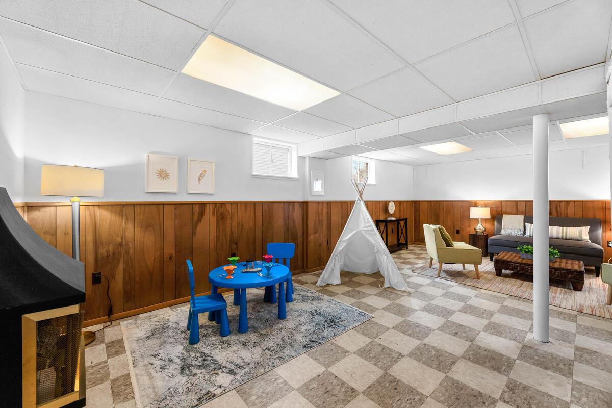 1504 Gridley Ln-037-009-Interior-MLS_Size