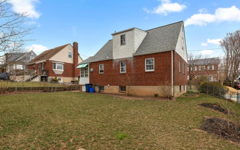 1504 Gridley Ln-044-036-Exterior-MLS_Size