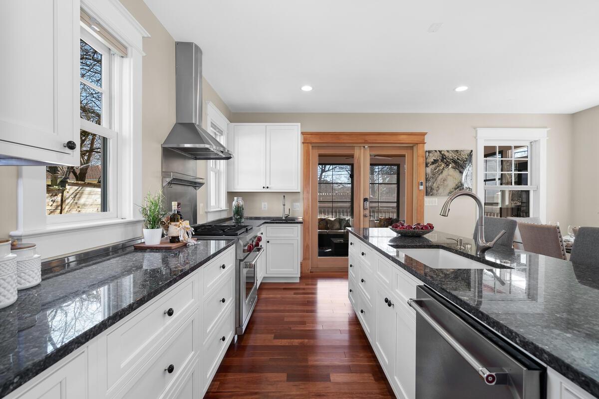 7105 Carroll Ave-023-019-Interior-MLS_Size