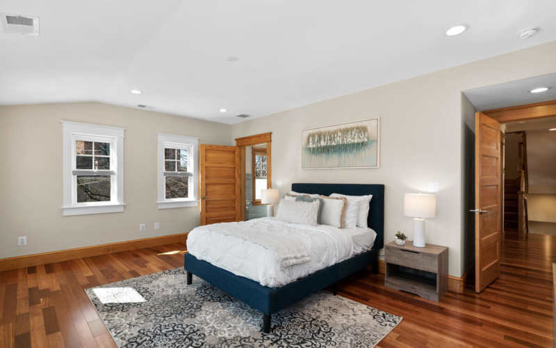 7105 Carroll Ave-037-007-Interior-MLS_Size