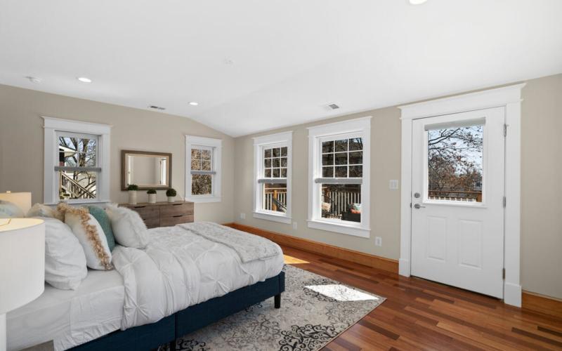 7105 Carroll Ave-039-039-Interior-MLS_Size