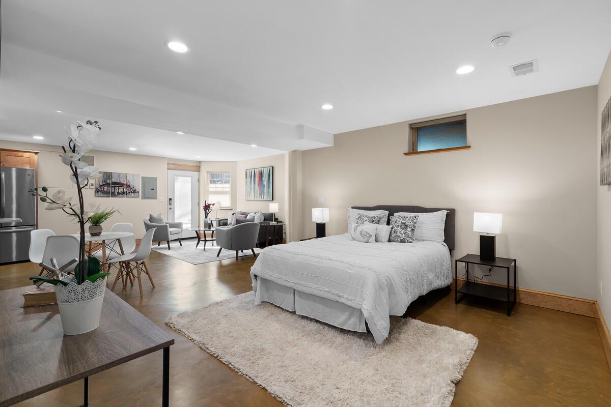 7105 Carroll Ave-049-050-Interior-MLS_Size