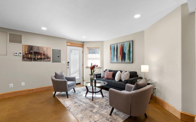 7105 Carroll Ave-053-051-Interior-MLS_Size
