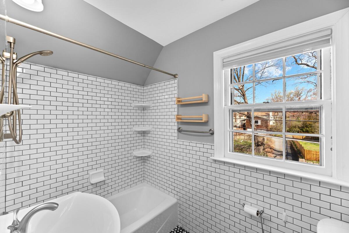 810 Sligo Ave-031-031-Interior-MLS_Size