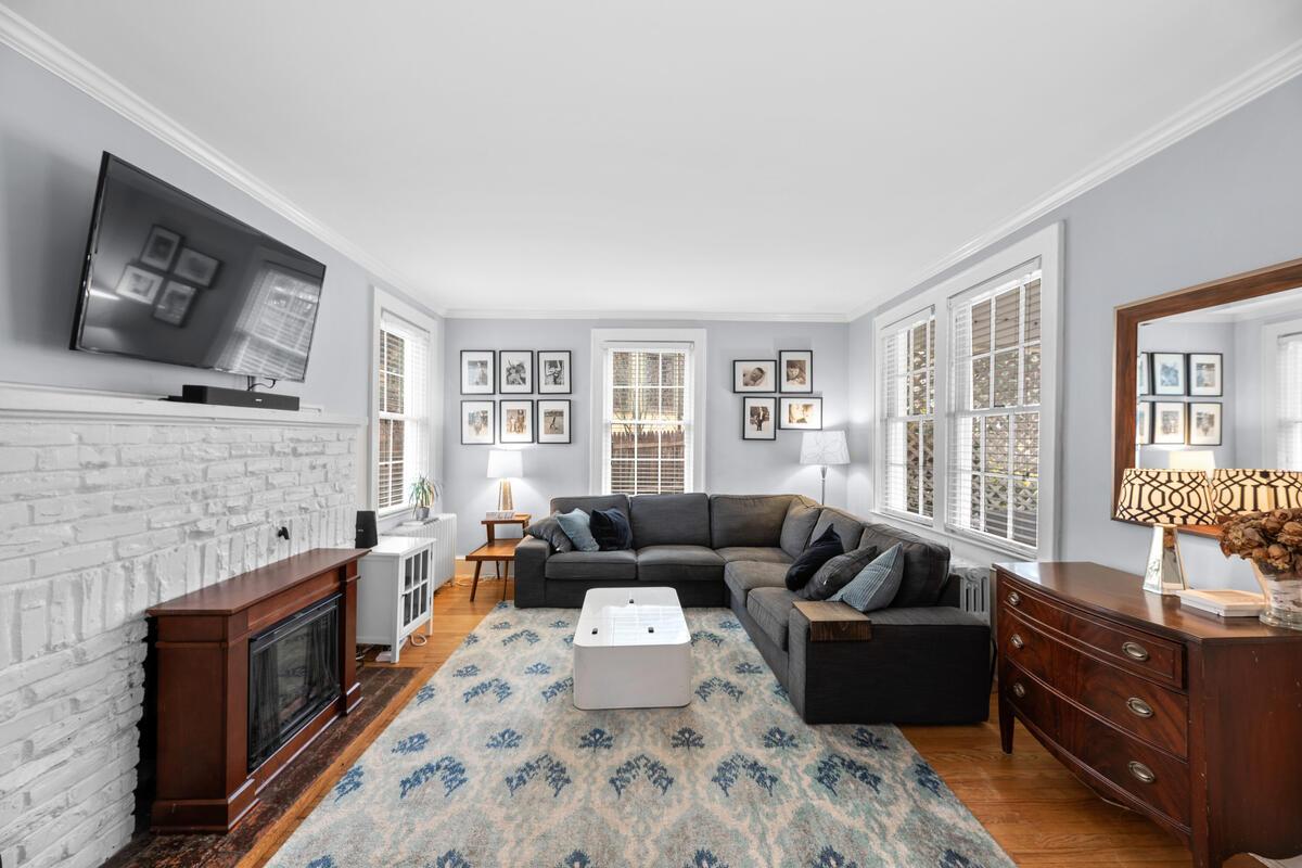 8601 Mayfair Pl-007-035-Interior-MLS_Size
