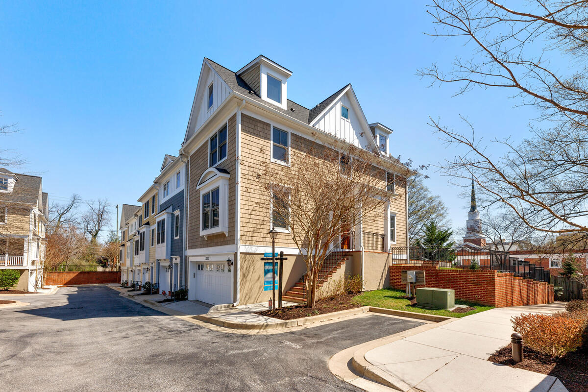 8803 Courts Way-001-008-Exterior-MLS_Size