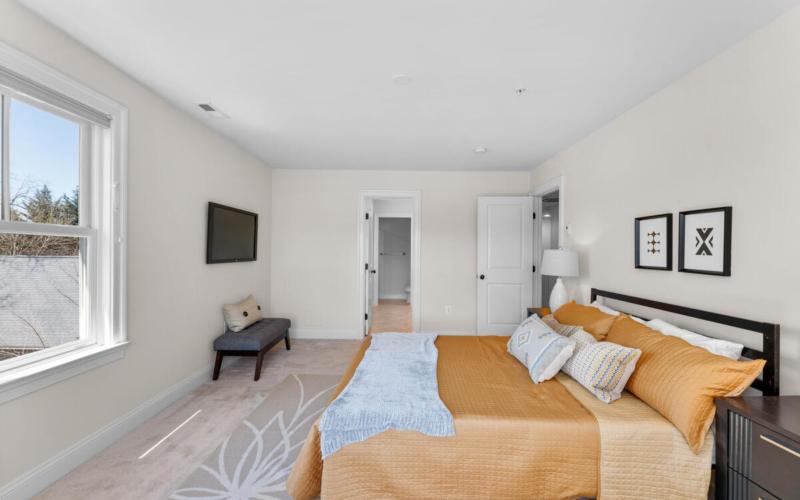 8803 Courts Way-021-019-Interior-MLS_Size