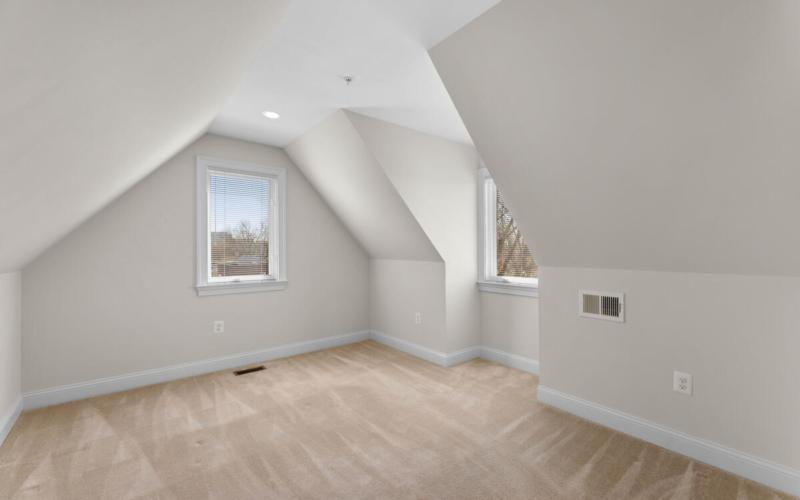 8803 Courts Way-034-023-Interior-MLS_Size