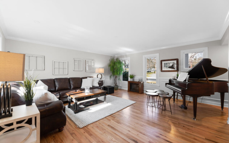 8904 1st Ave-013-009-Interior-MLS_Size