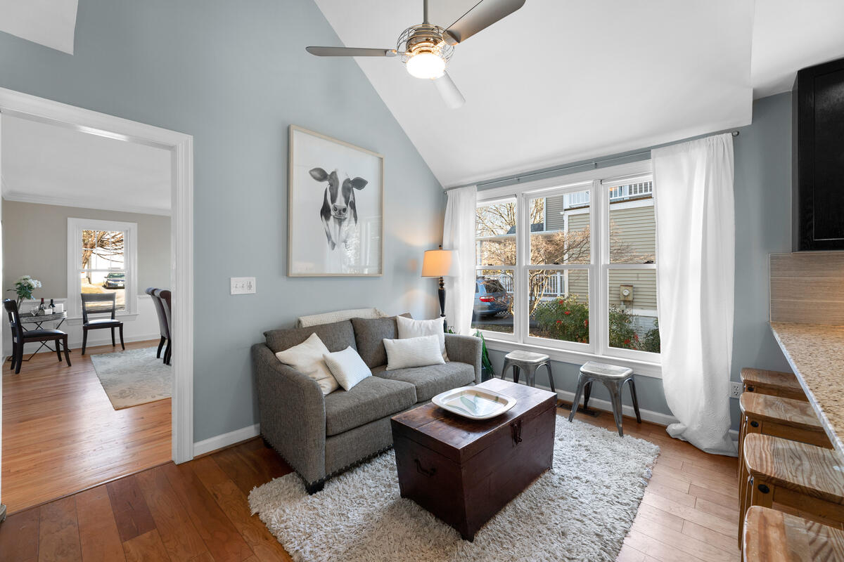 8904 1st Ave-024-021-Interior-MLS_Size