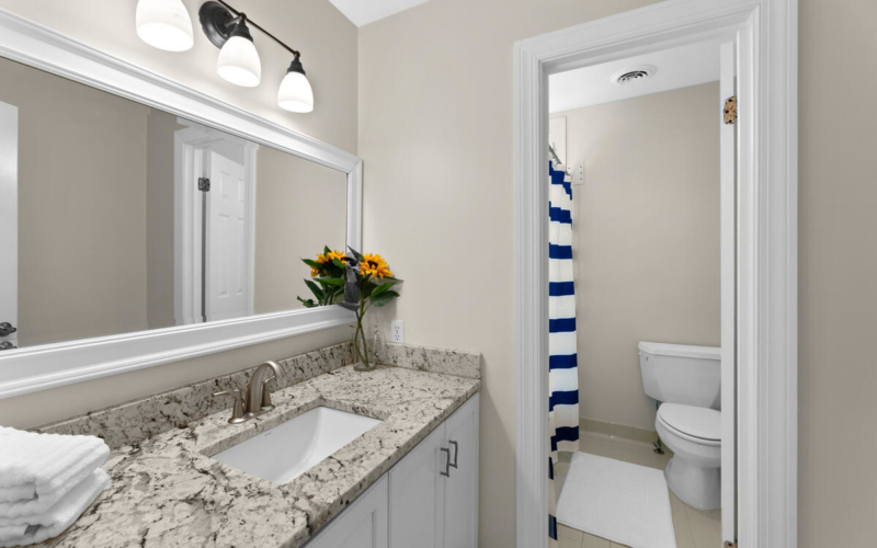 8904 1st Ave-038-003-Interior-MLS_Size