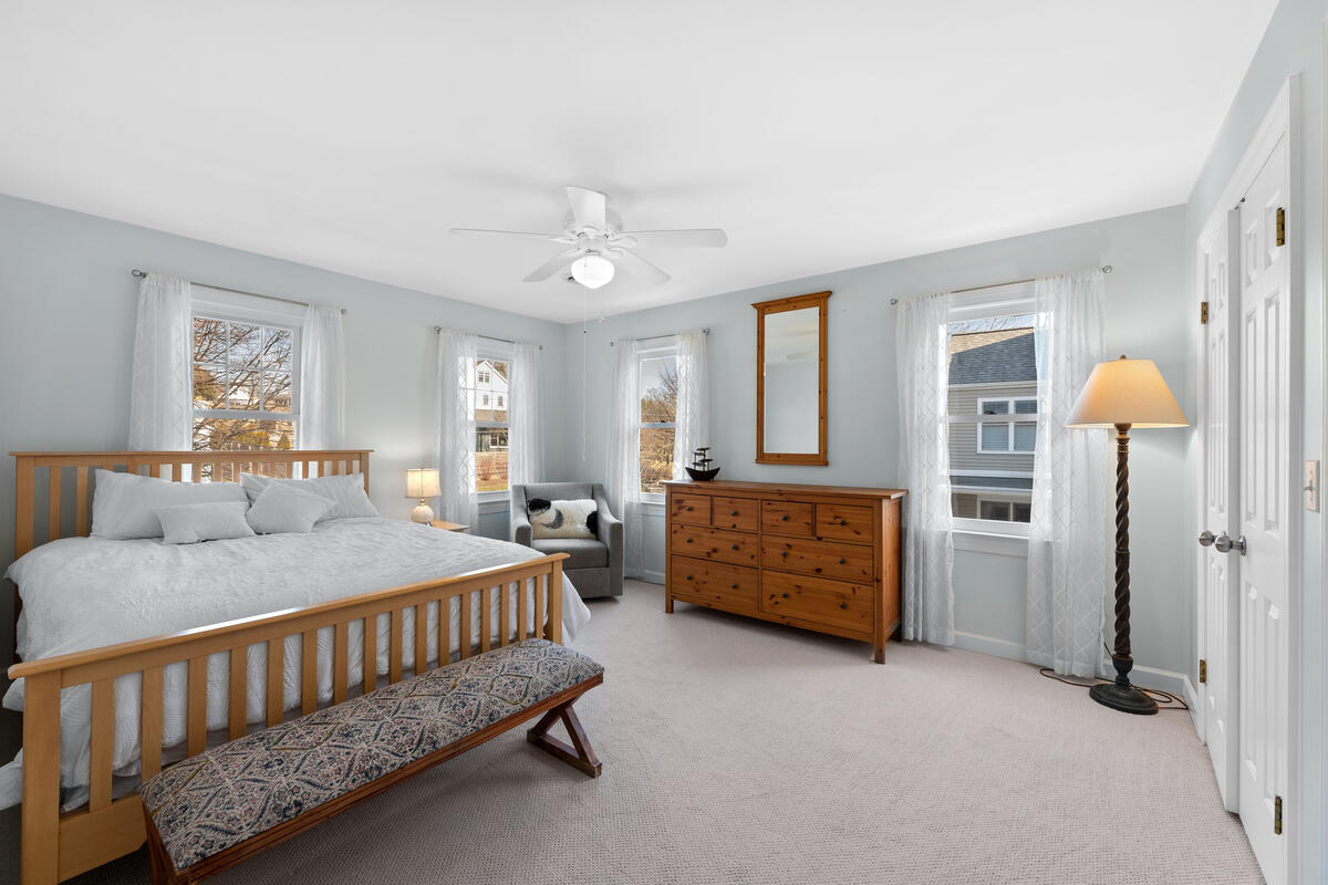 8904 1st Ave-043-030-Interior-MLS_Size