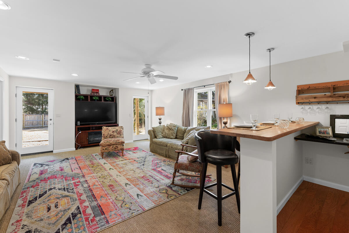 8904 1st Ave-048-002-Interior-MLS_Size