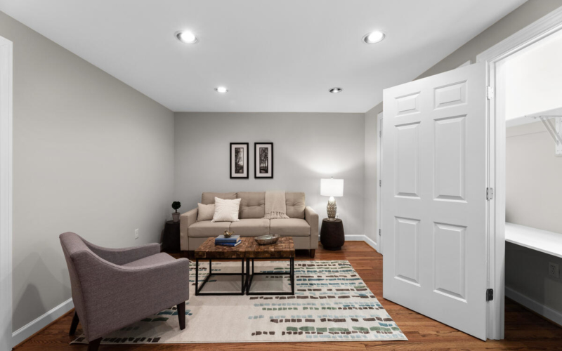8904 1st Ave-050-020-Interior-MLS_Size