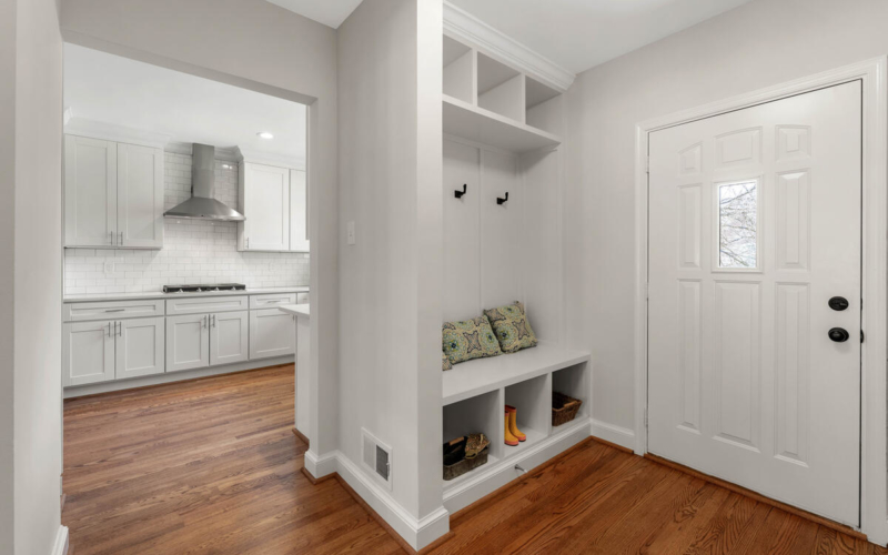 8917 2nd Ave-031-024-Interior-MLS_Size