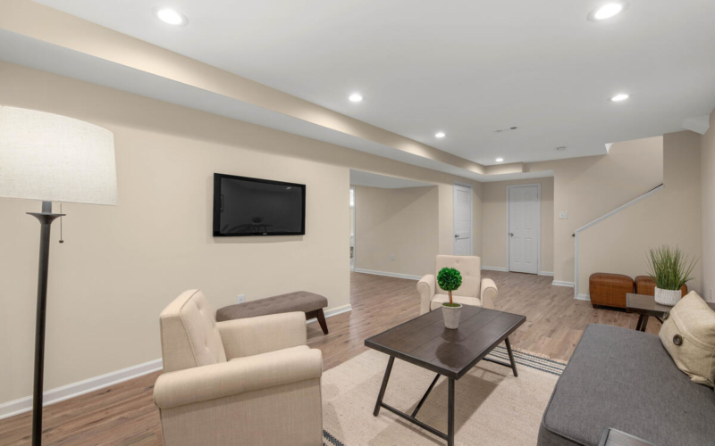 8917 2nd Ave-049-056-Interior-MLS_Size