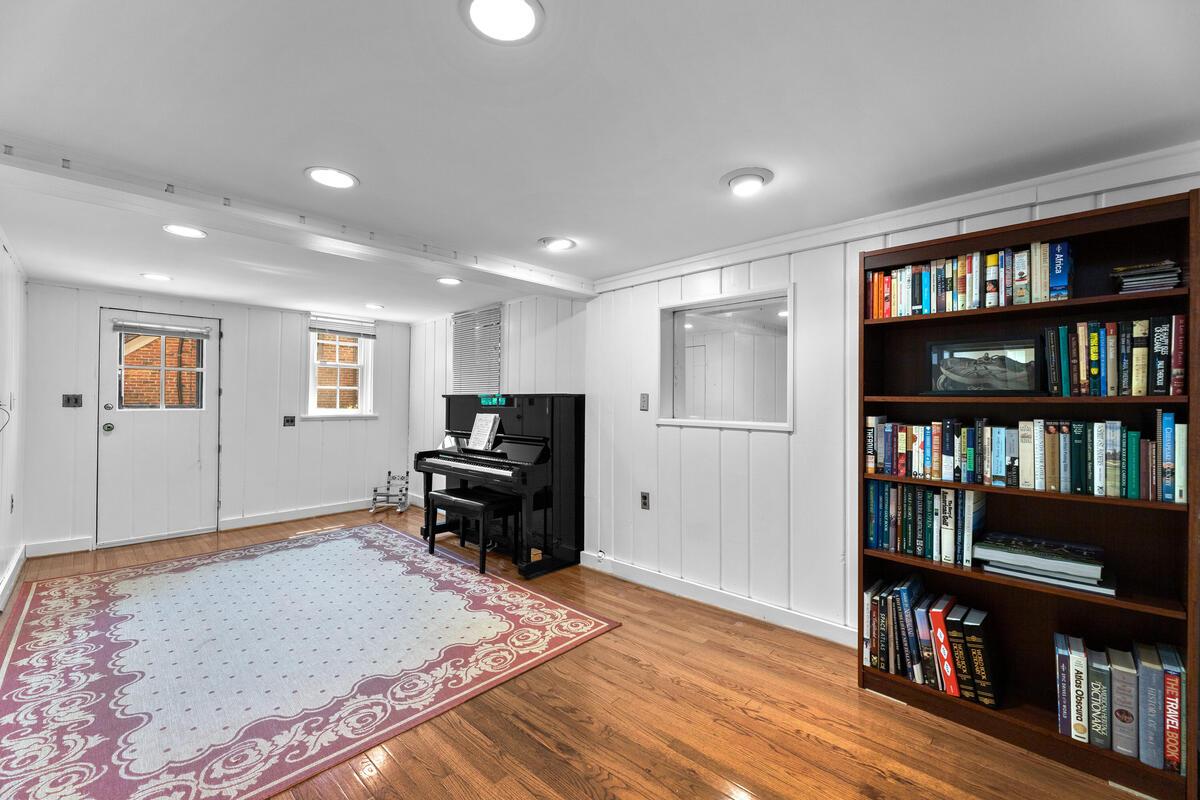 17 Sunnyside Rd-043-035-Interior-MLS_Size