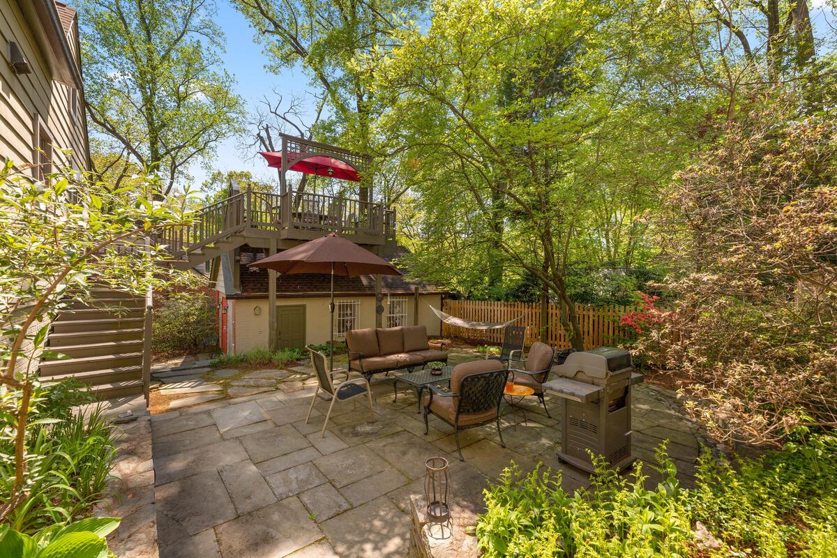 17 Sunnyside Rd-046-042-Exterior-MLS_Size
