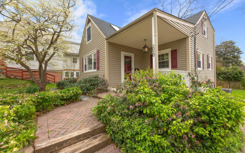 2020 Hanover St-008-041-Exterior-MLS_Size