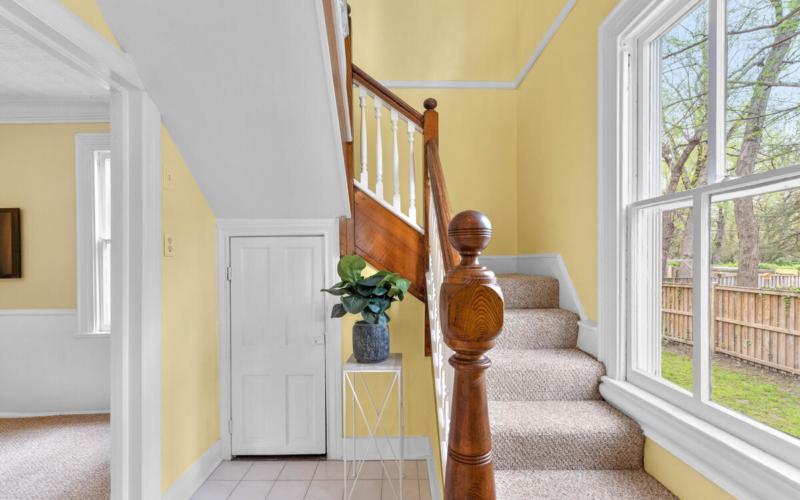 4105 Crittenden St-008-002-Interior-MLS_Size