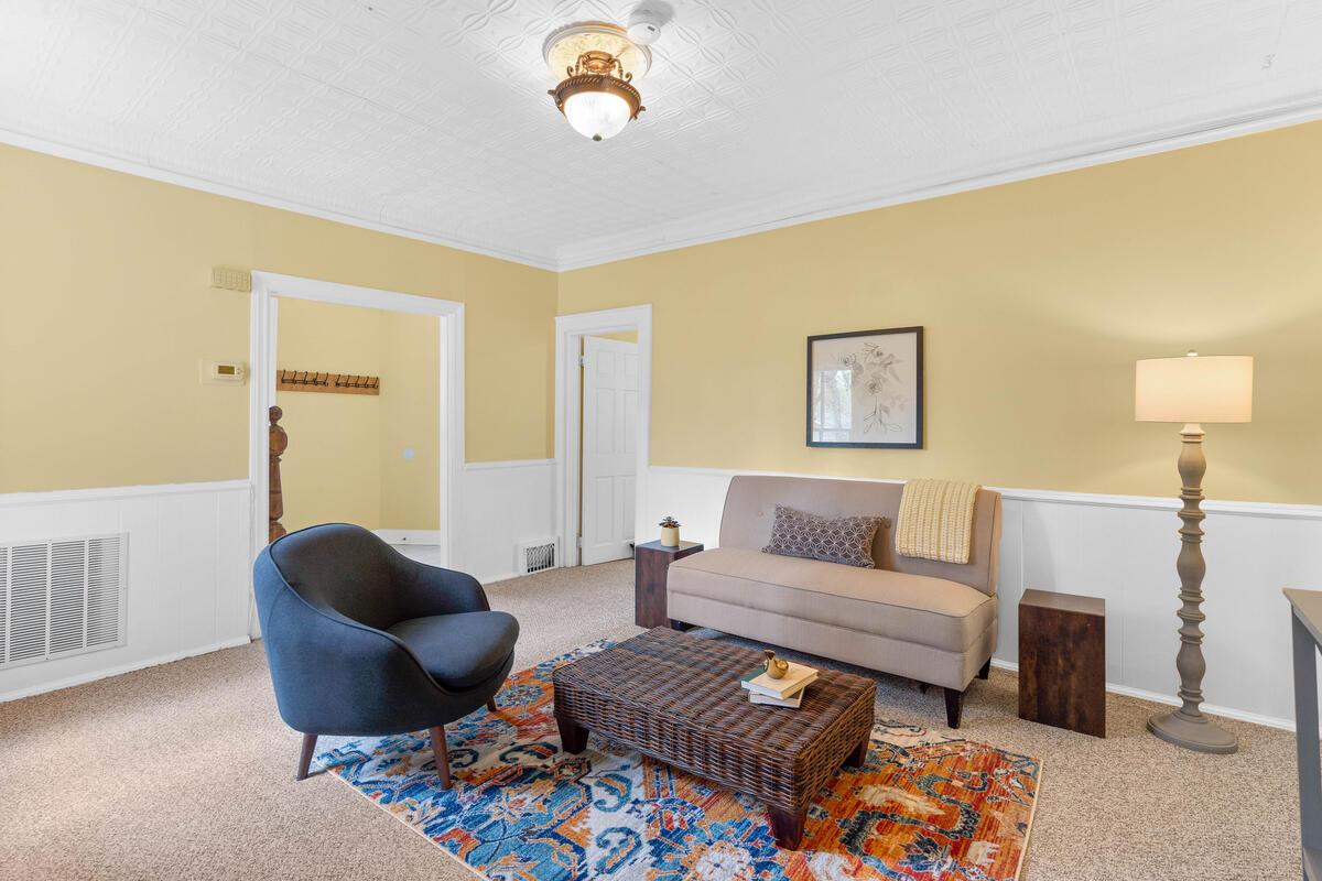 4105 Crittenden St-016-016-Interior-MLS_Size
