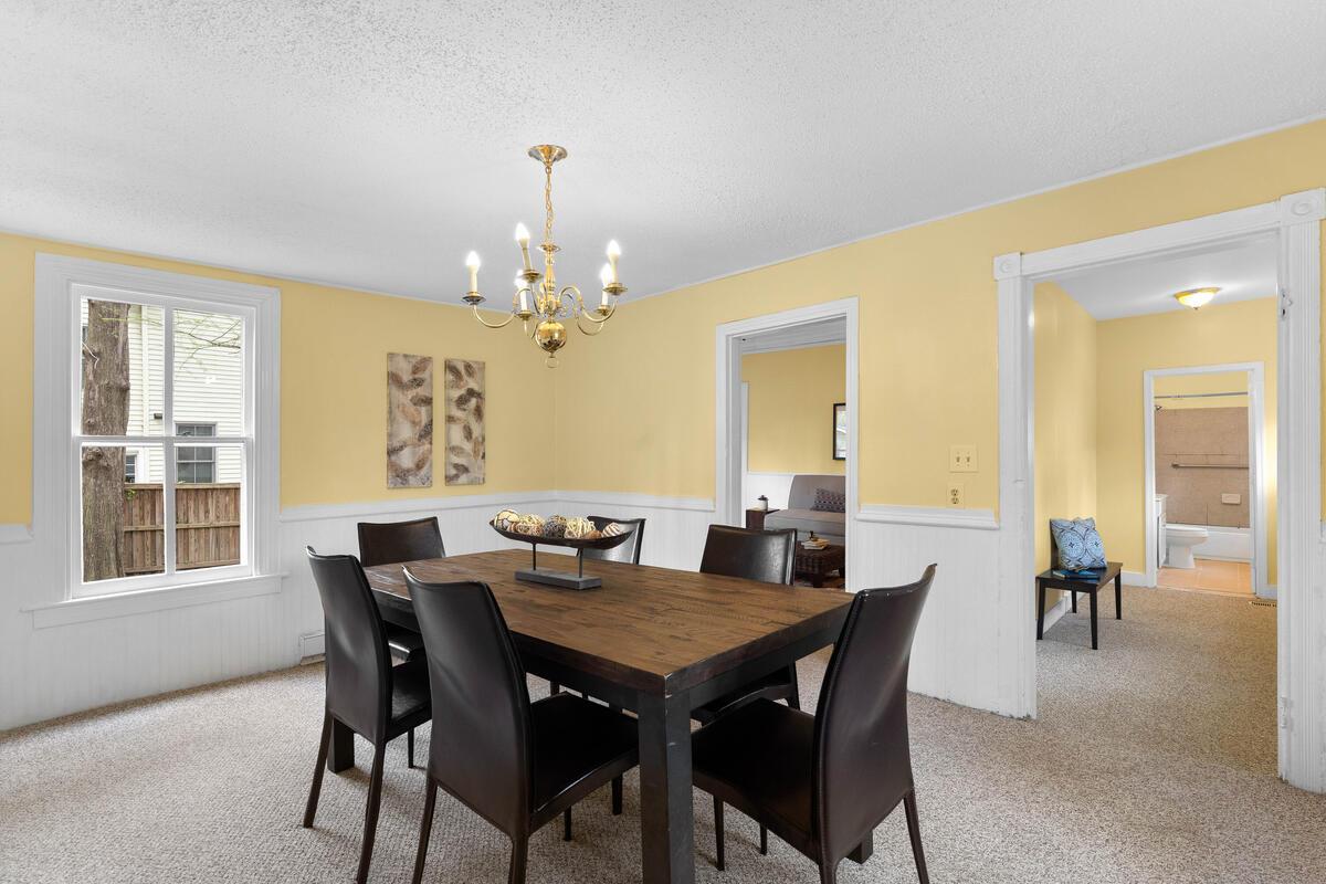 4105 Crittenden St-019-007-Interior-MLS_Size