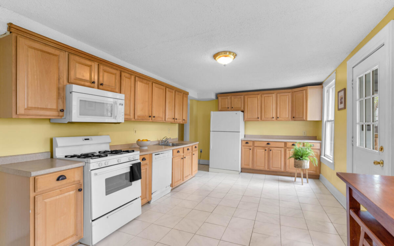 4105 Crittenden St-020-012-Interior-MLS_Size