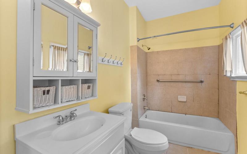 4105 Crittenden St-025-013-Interior-MLS_Size
