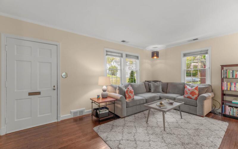 9705 Lorain Ave-006-017-Interior-MLS_Size
