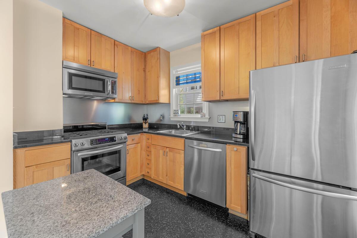 9705 Lorain Ave-010-030-Interior-MLS_Size