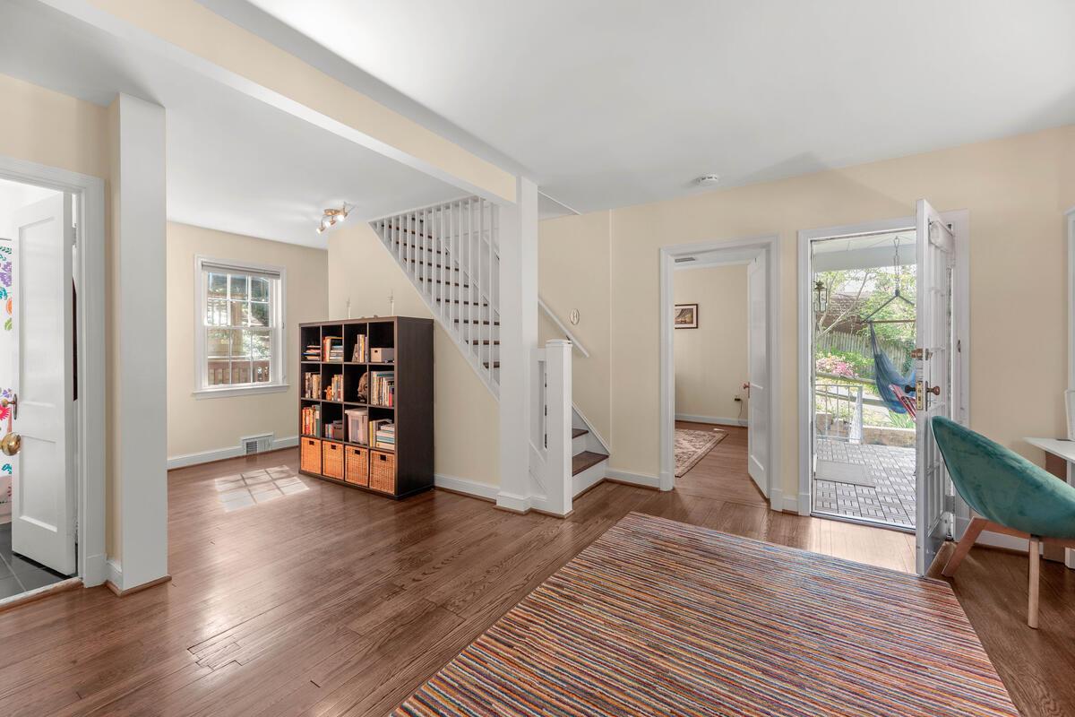 9705 Lorain Ave-012-015-Interior-MLS_Size