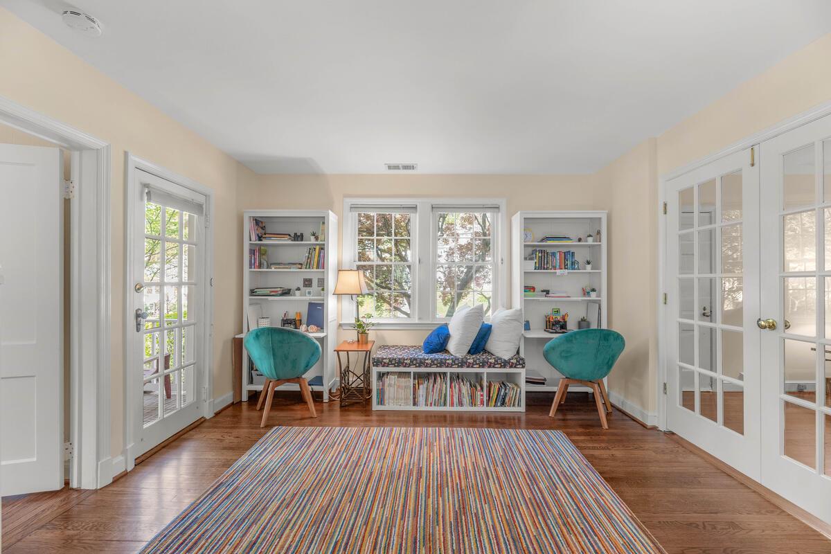 9705 Lorain Ave-013-018-Interior-MLS_Size