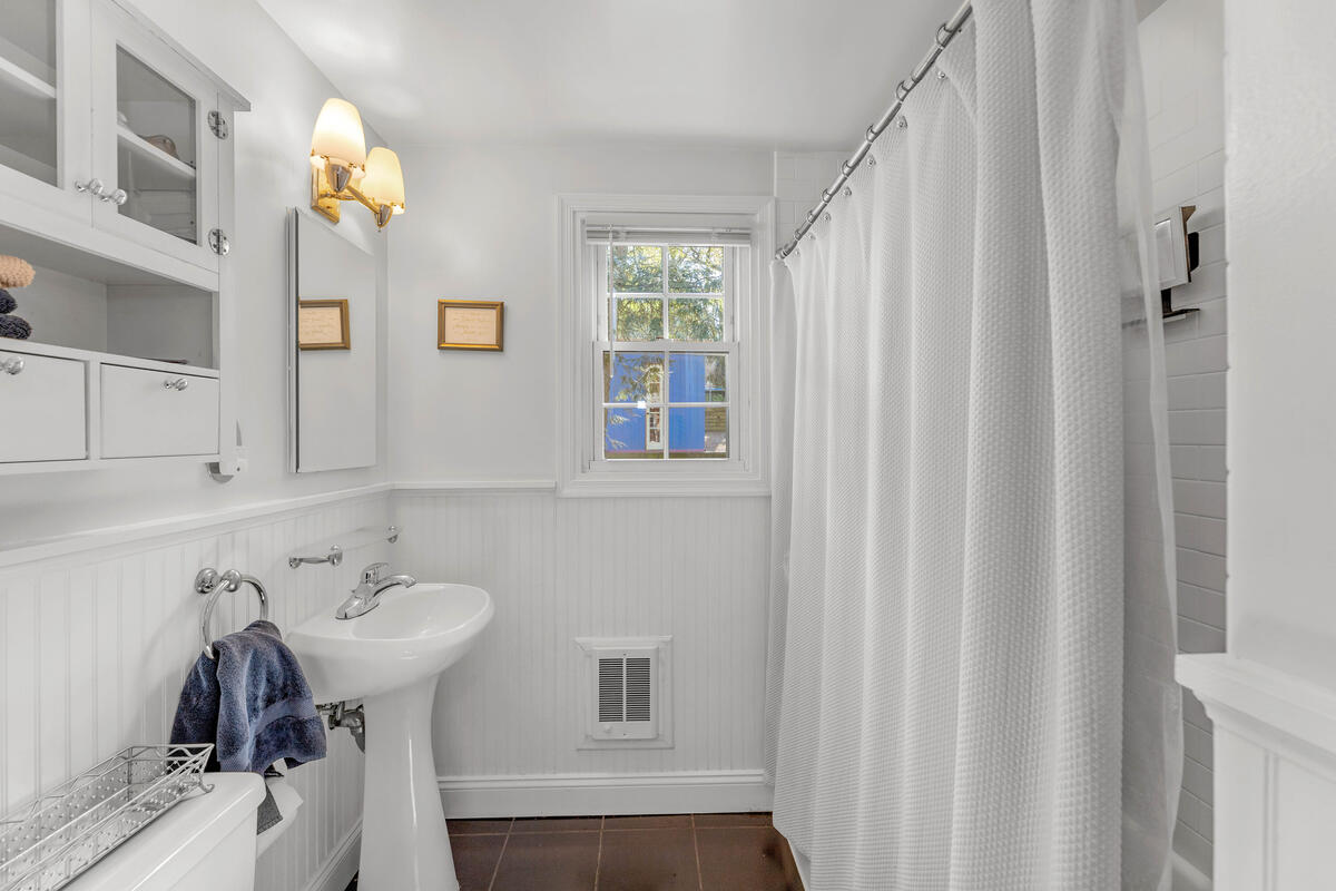 9705 Lorain Ave-019-006-Interior-MLS_Size
