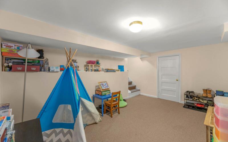 9705 Lorain Ave-034-039-Interior-MLS_Size