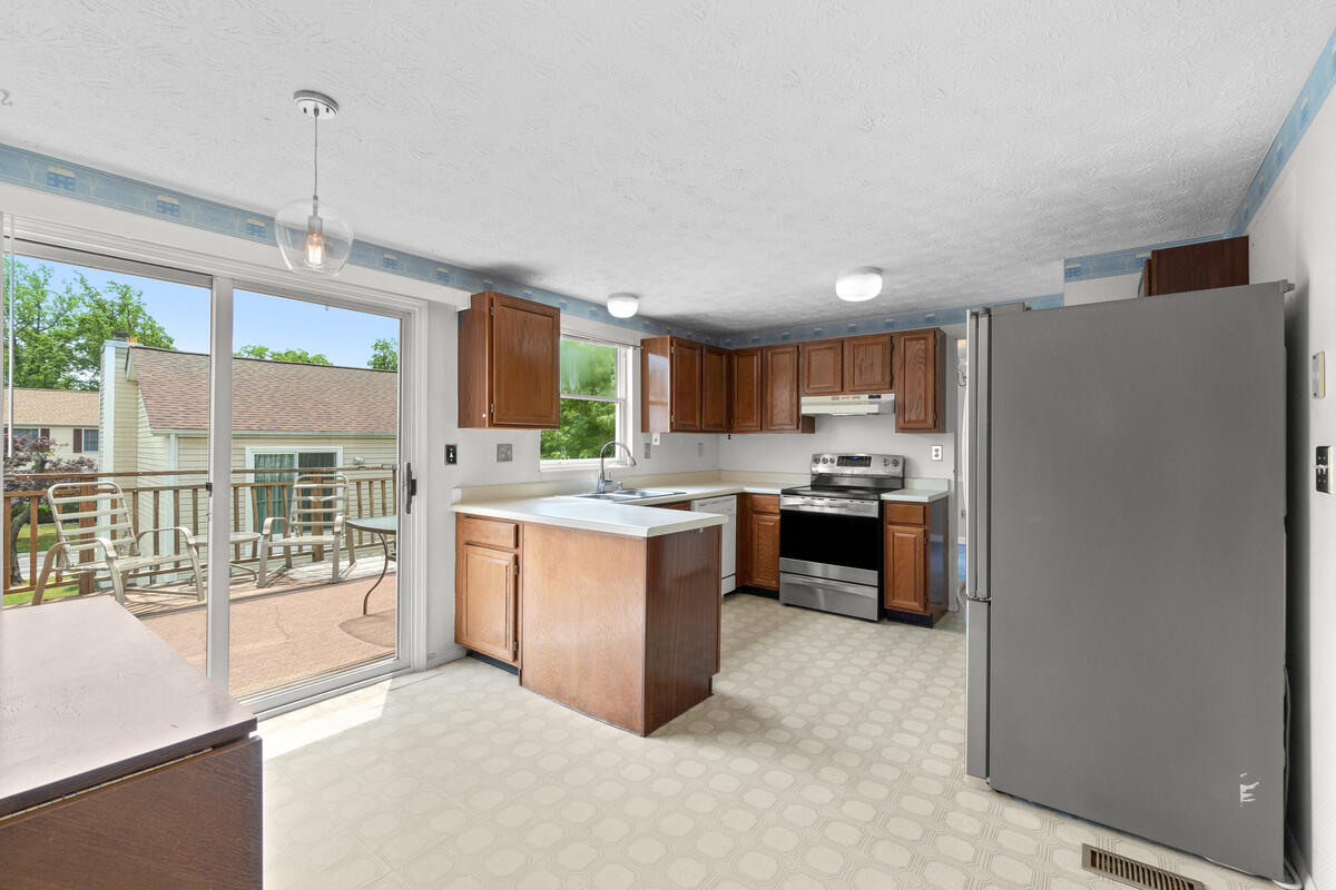 14909 Trailwood Pl-017-019-Interior-MLS_Size