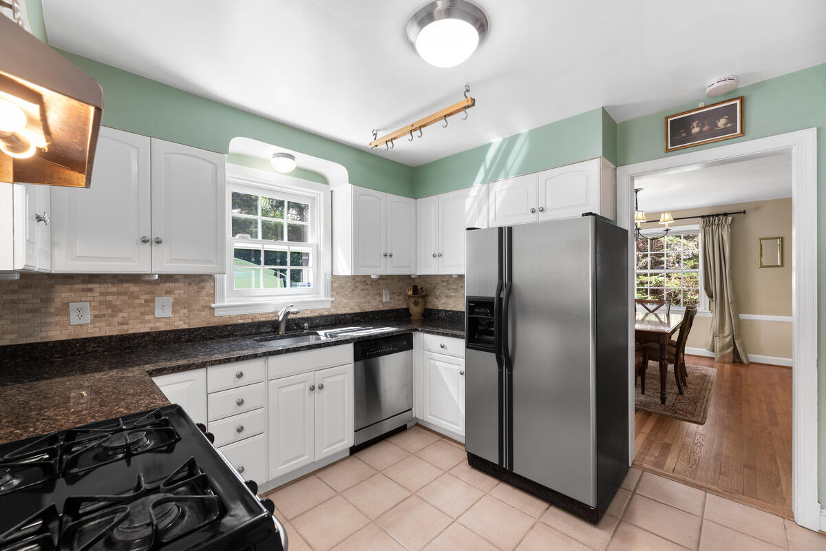 304 Whitestone Rd-019-008-Interior-MLS_Size