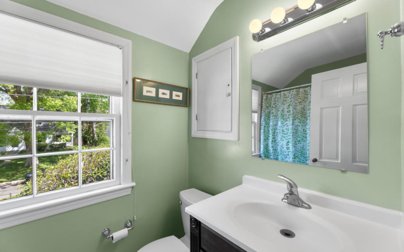 304 Whitestone Rd-024-017-Interior-MLS_Size