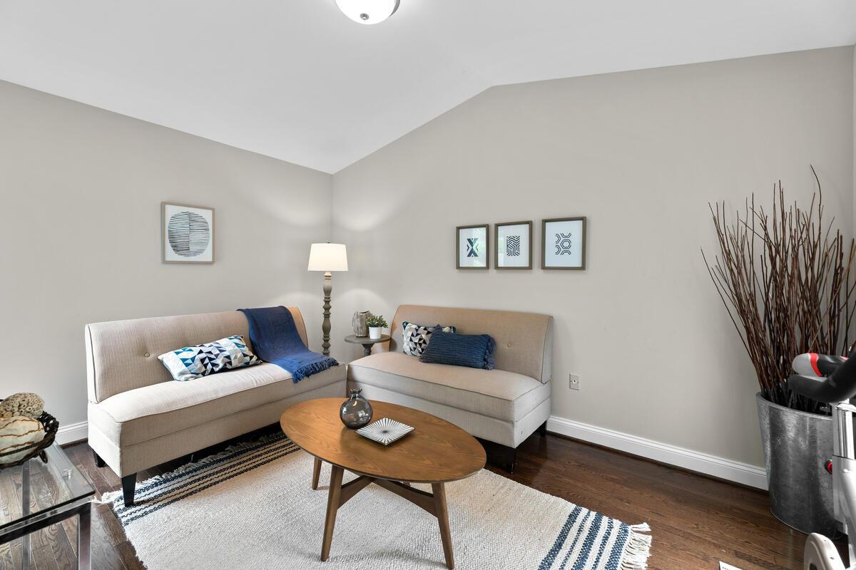 1403 Woodman Ave-015-039-Interior-MLS_Size