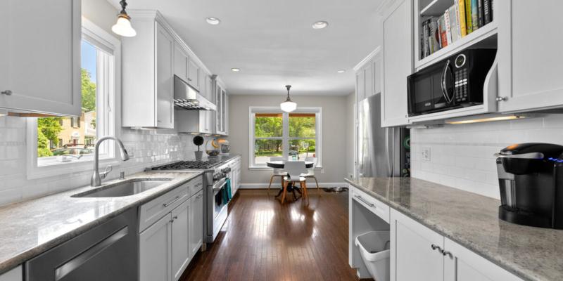 1403 Woodman Ave-021-019-Interior-MLS_Size