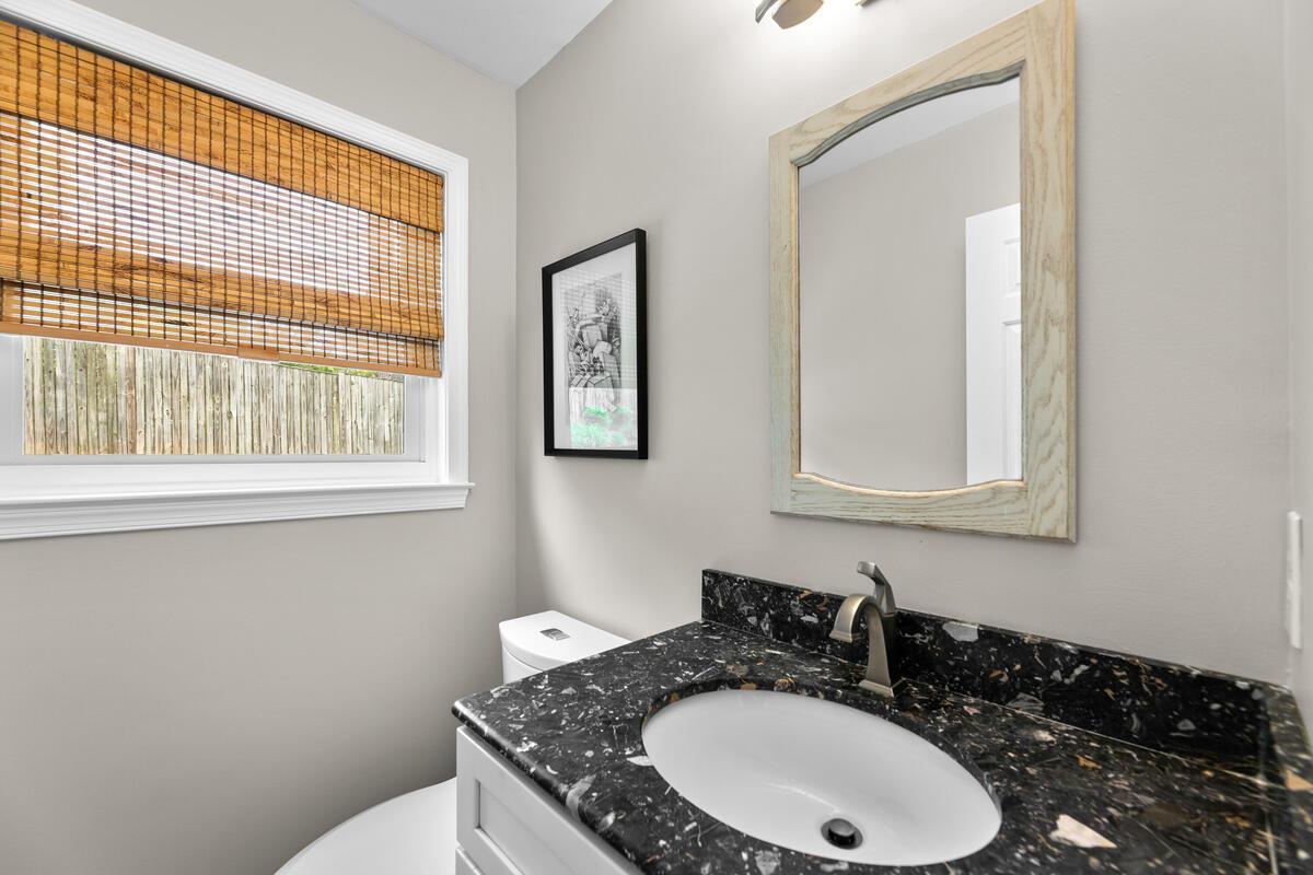 1403 Woodman Ave-025-037-Interior-MLS_Size