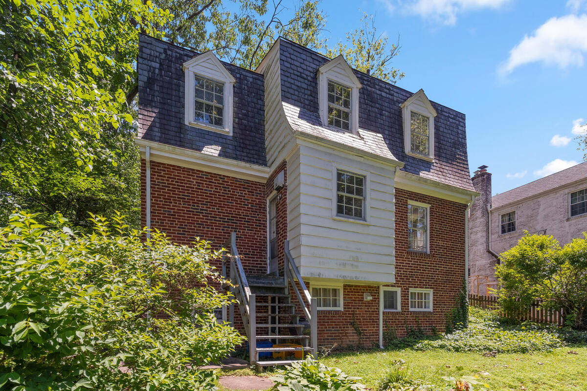 1709 Luzerne Ave-042-001-Exterior-MLS_Size