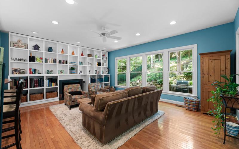 7002 Poplar Ave-021-018-Interior-MLS_Size